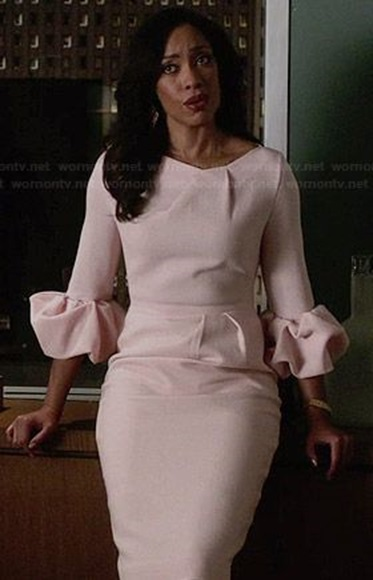 (Picture: Wornontv.net) No one does confident, kick-ass professional woman like Jessica Pearson in Suits.