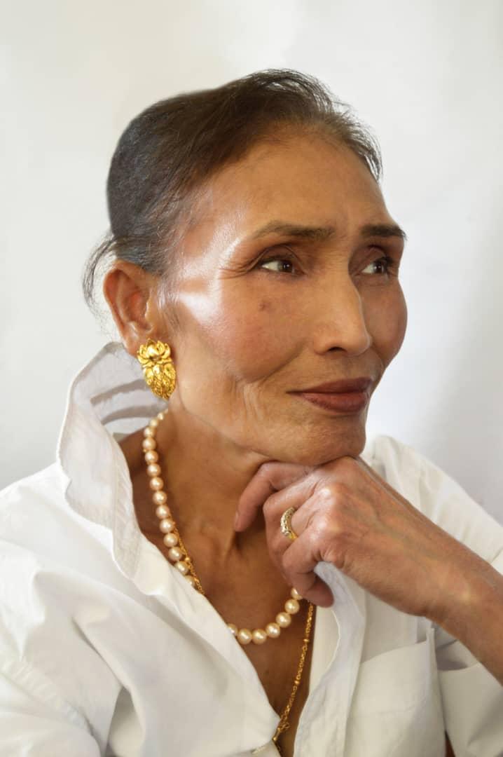 Mrs Chorm wears Phkachhouck 1.0 Earrings in 18kt Yellow Gold, Image Courtesy of EdoEyen